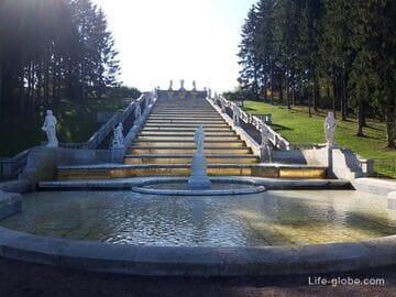 Каскад Золотая гора в Петергофе (Санкт-Петербург)