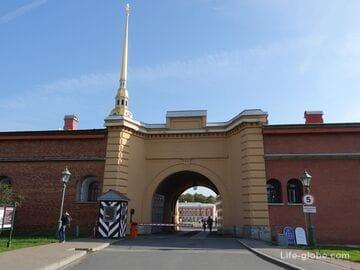 Никольская куртина и Никольские ворота Петропавловской крепости, Санкт-Петербург