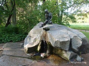 Фонтан «Девушка с кувшином» в Екатерининском парке, Царское Село (Пушкин, Санкт-Петербург)