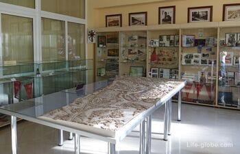 Музей города Светлогорска: зал истории курорта и выставочный зал (информационно-туристический центр)