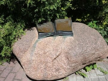 Памятный знак Томасу Манну в Светлогорске