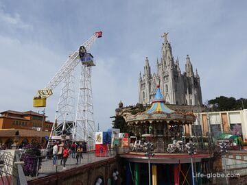 Tibidabo in Barcelona: Temple of the Sacred Heart and amusement park
