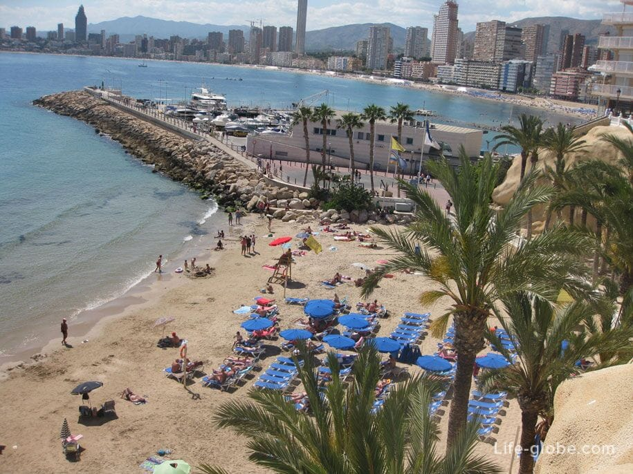 Пляж Маль Пас в Бенидорме, Испания