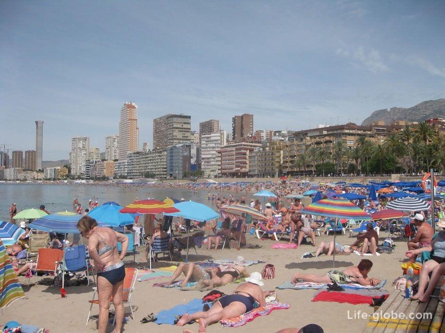 Восточная часть пляжа Поньенте, Бенидорм, Испания
