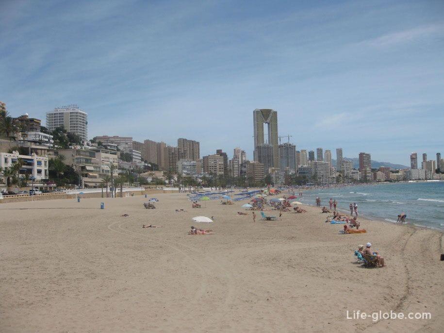 Западная часть пляжа Поньенте, Бенидорм, Испания