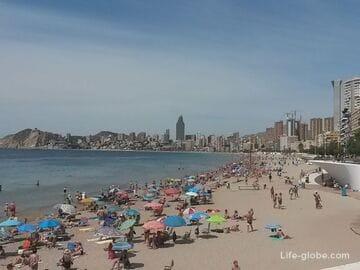 Пляж Поньенте (Playa de Poniente) - самый крупный песчаный пляж Бенидорма