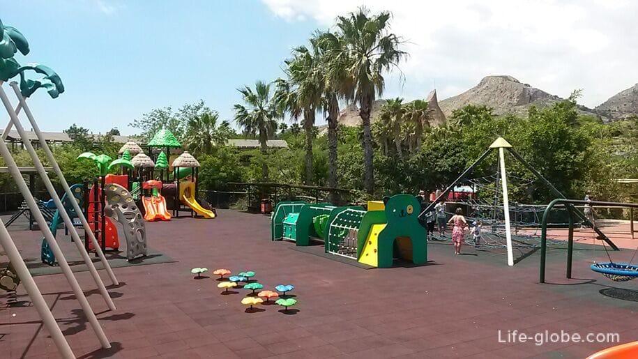 Детская игровая площадка в парке Терра Натура, Бенидорм