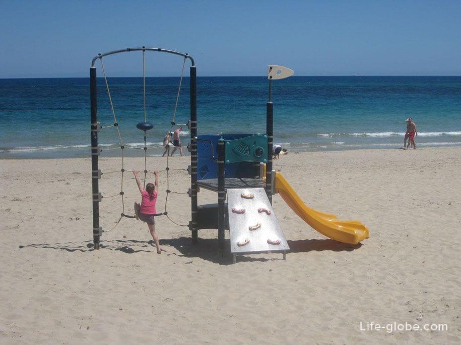 Детские площадки на пляже Ла Фосса, Кальпе