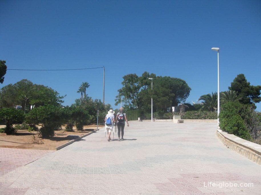 Набережная к пляжу Ла Калалга, Кальпе