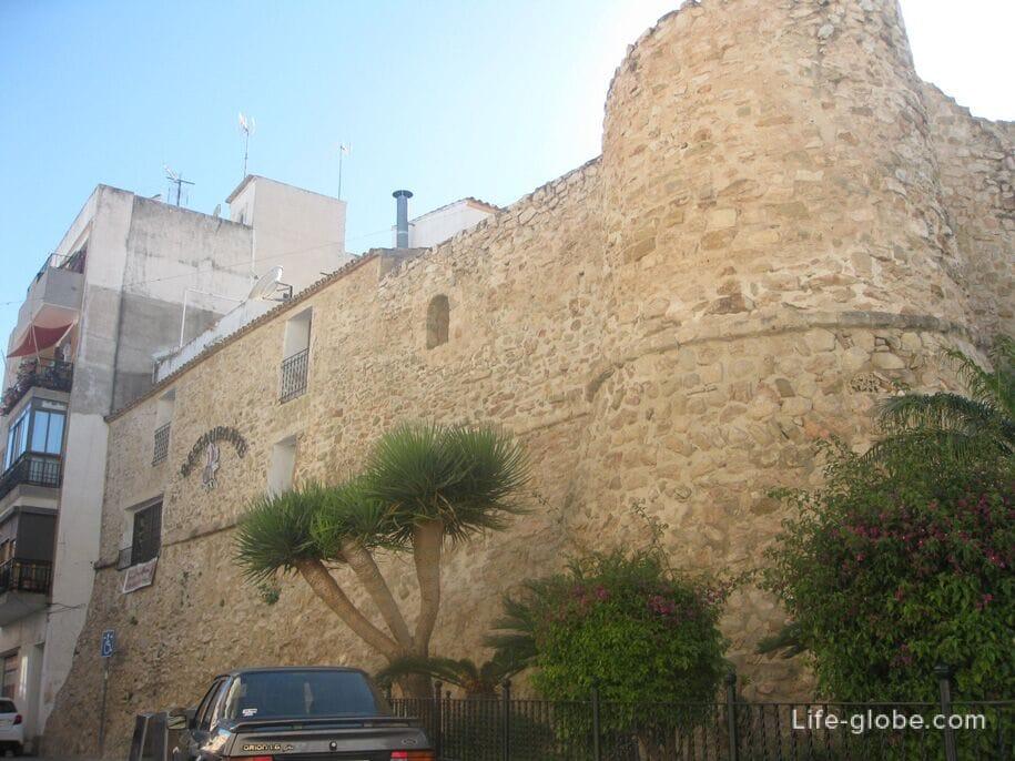 Башня Торреон-де-ла-Пека, старый город Кальпе