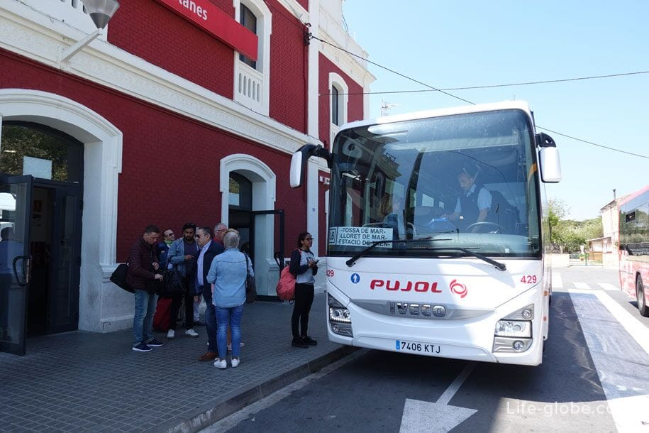 How To Get From Barcelona To Lloret De Mar And Tossa De Mar Airport And City Center