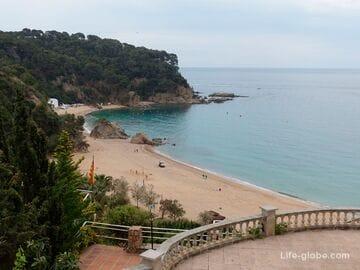 Пляж Каньельес в Льорет-де-Мар (Playa de Canyelles)