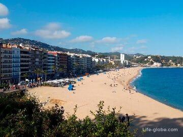 Пляж Льорет в Льорет-де-Мар (Playa de Lloret De Mar) - центральный пляж курорта