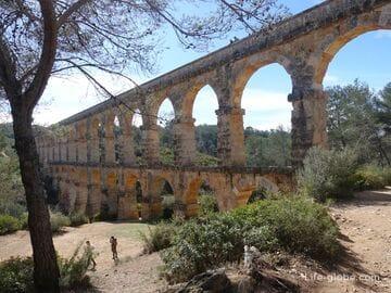 Aqueduct or the bridge of the Devil in Tarragona (Aqüeducte de les Ferreres / Pont del Diable)