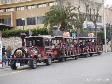 Туристический паровозик в Таррагоне