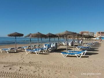 Пляж Науфрагос (Playa de Los Naufragos) в Торревьехе - оживленный, но отдаленный