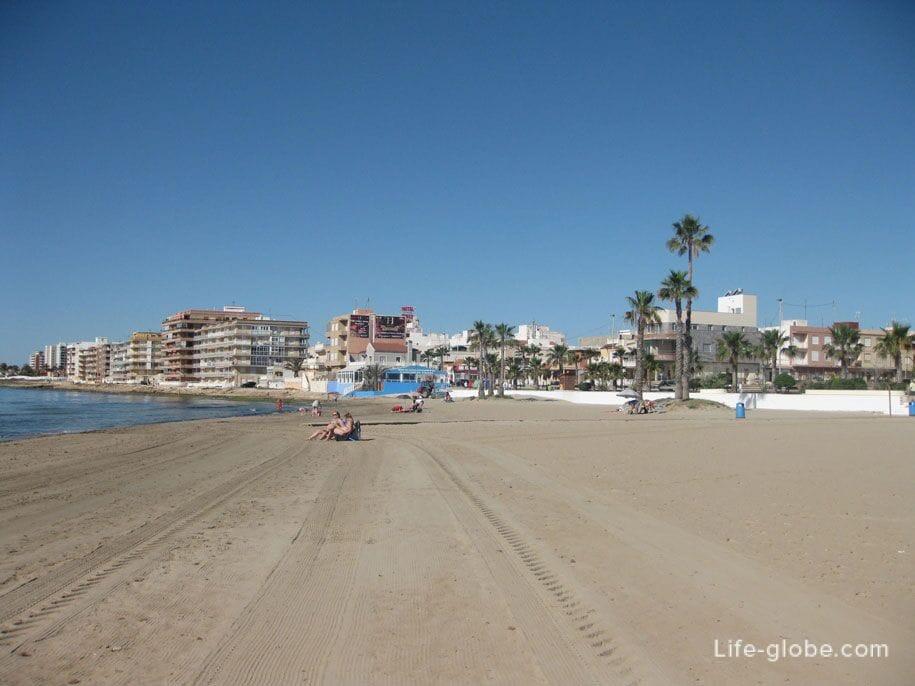 Пляж Науфрагос, Торревьеха, Испания