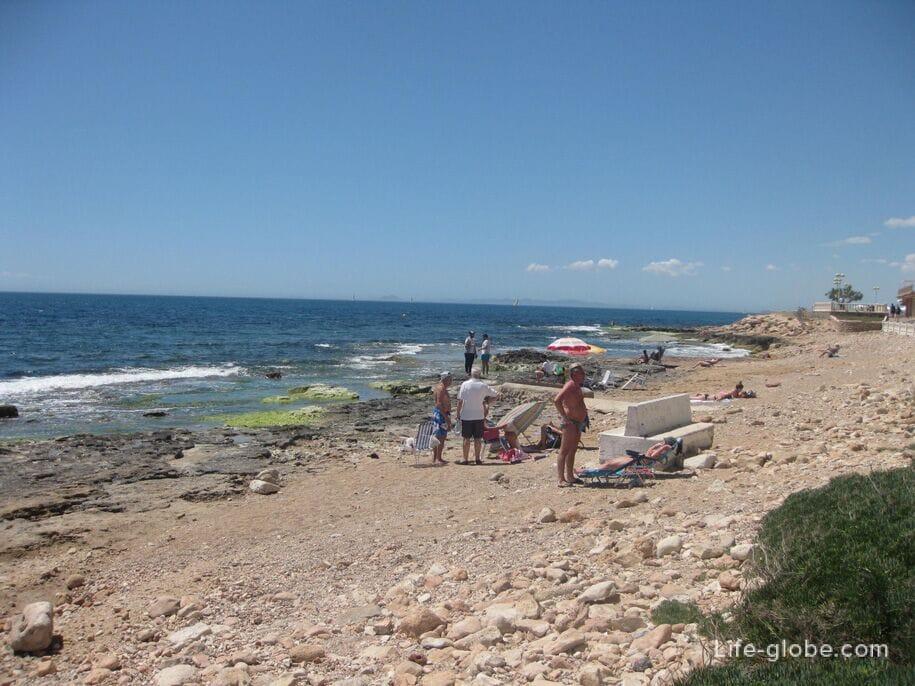 Пляжи Торревьехи - каменисто-песчаное побережье