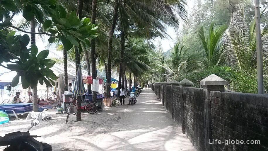 The promenade of Kamala beach