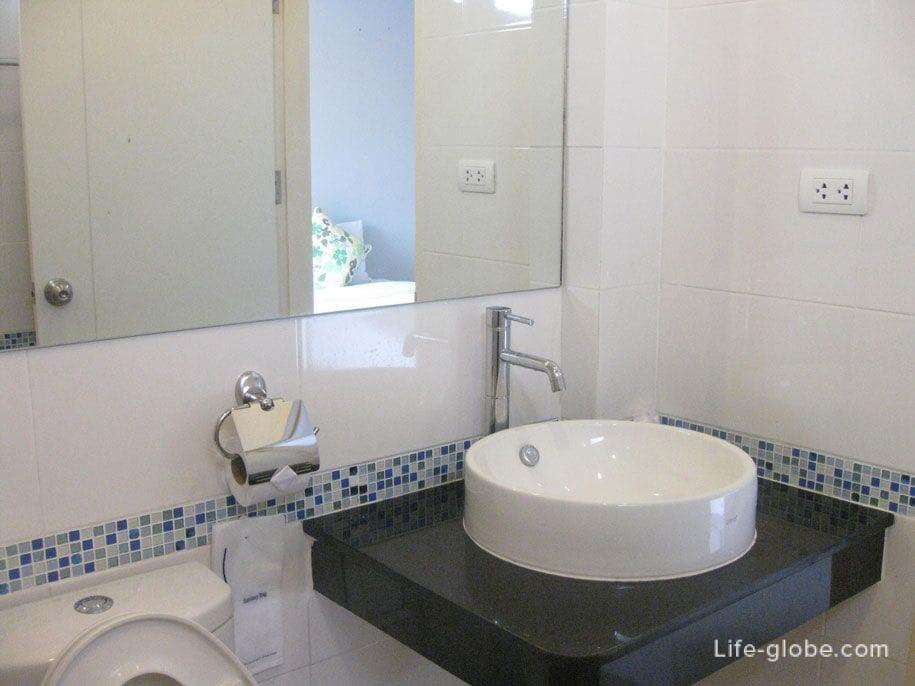 Ванная комната, отель Karon Sea Side, Пхукет