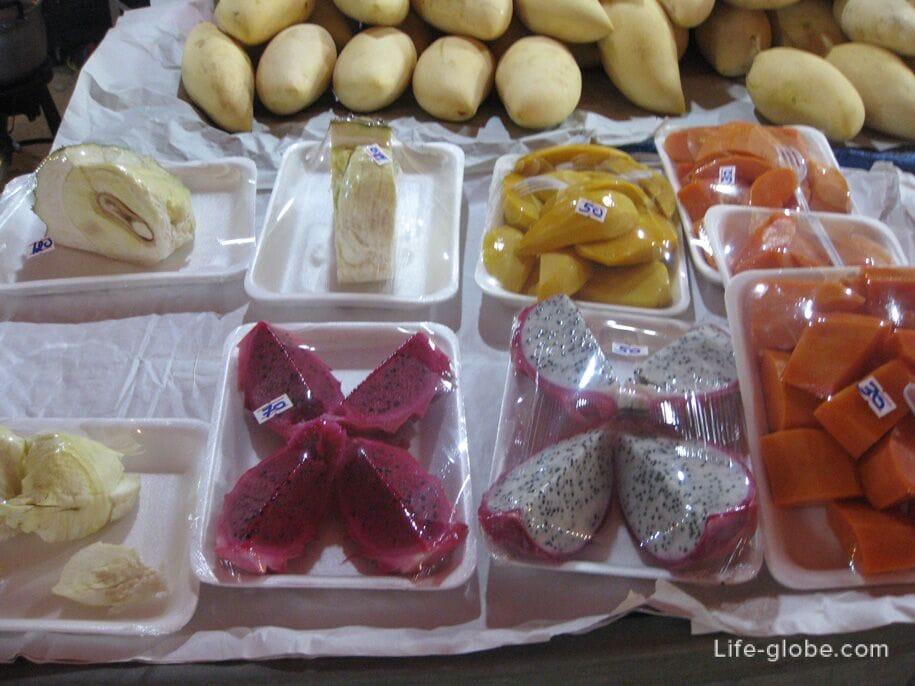 Fruit at the night market, Karon