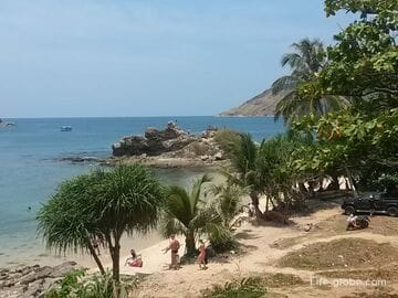 Yanui beach in Phuket is a scenic and cozy