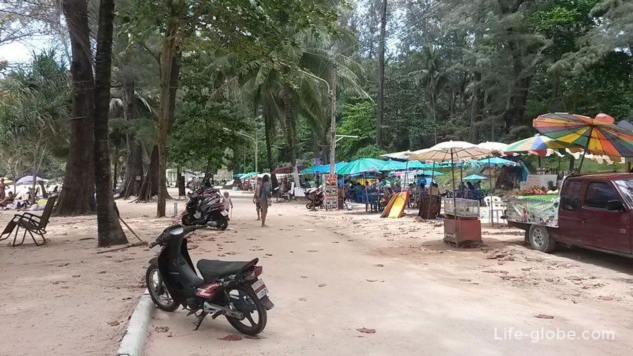 Набережная пляжа Сурин, Пхукет, Таиланд