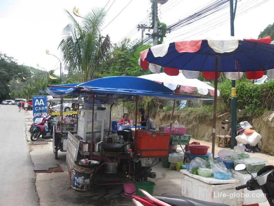 The road leading from Bang Tao Beach to Surin Beach