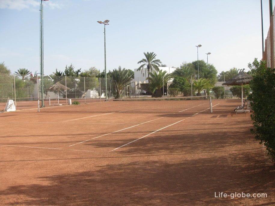 Tennis at the Djerba Plaza Hotel, Tunisia