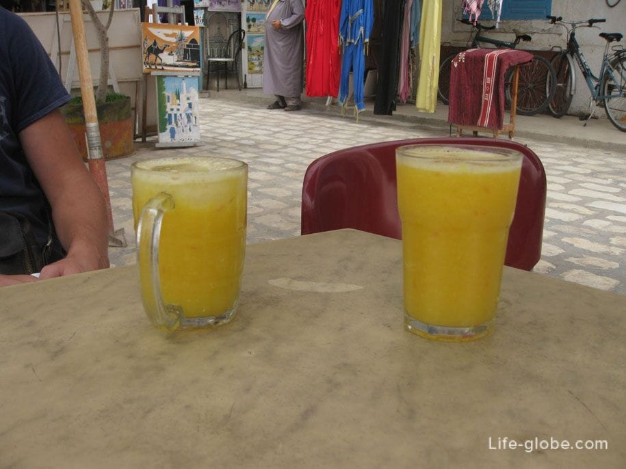 Freshly squeezed juice at a market in Houmt Souk, Djerba