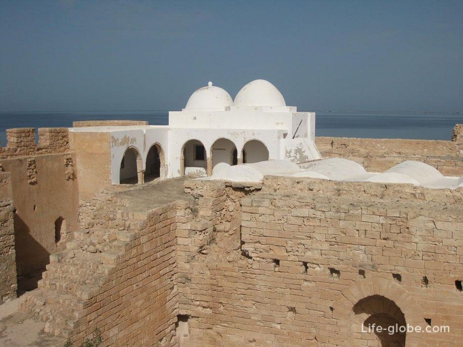 Мечеть в форте, Хумт-Сук, Джерба