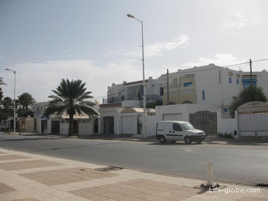 The capital of Djerba is the city of Houmt Souk