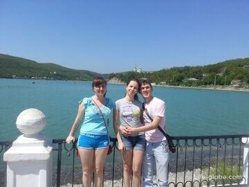 Абрау-Дюрсо. Озеро, море, горы, шампанское и шашлык