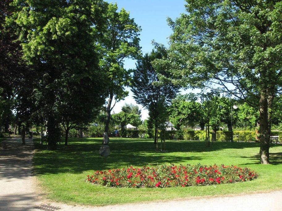 sights of Sopot-Maria and Lech Kaczynski Park