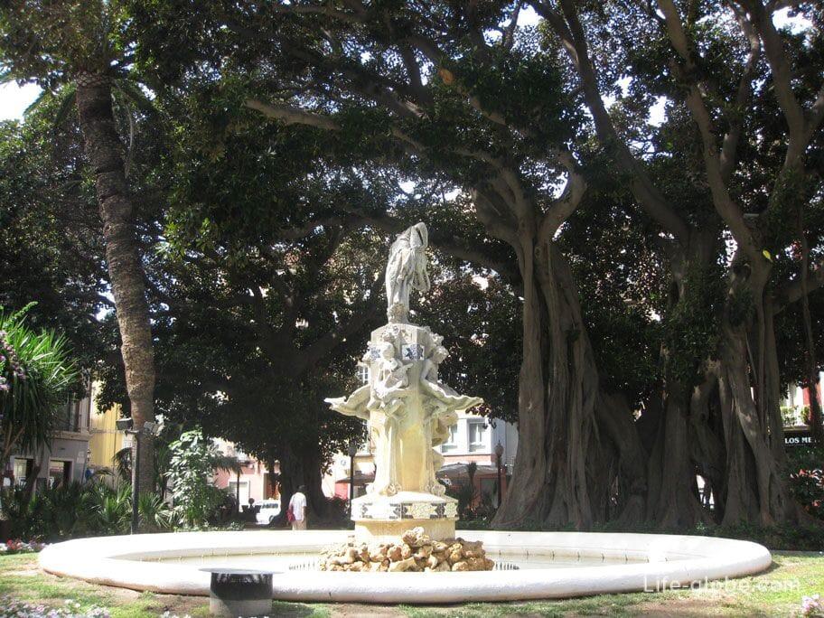Площадь Габриель Миро, Аликанте