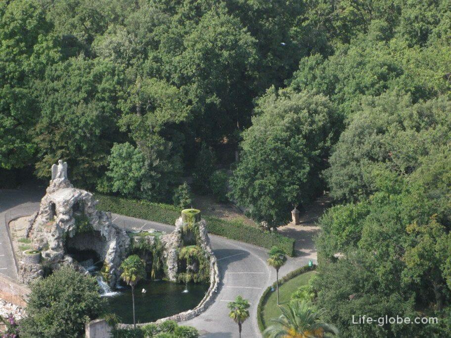 fountain in the vatican gardens
