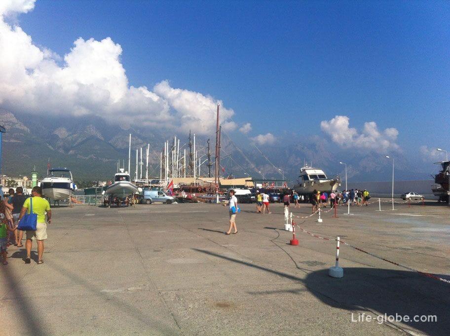 яхтенная Марина в Кемере, Турция