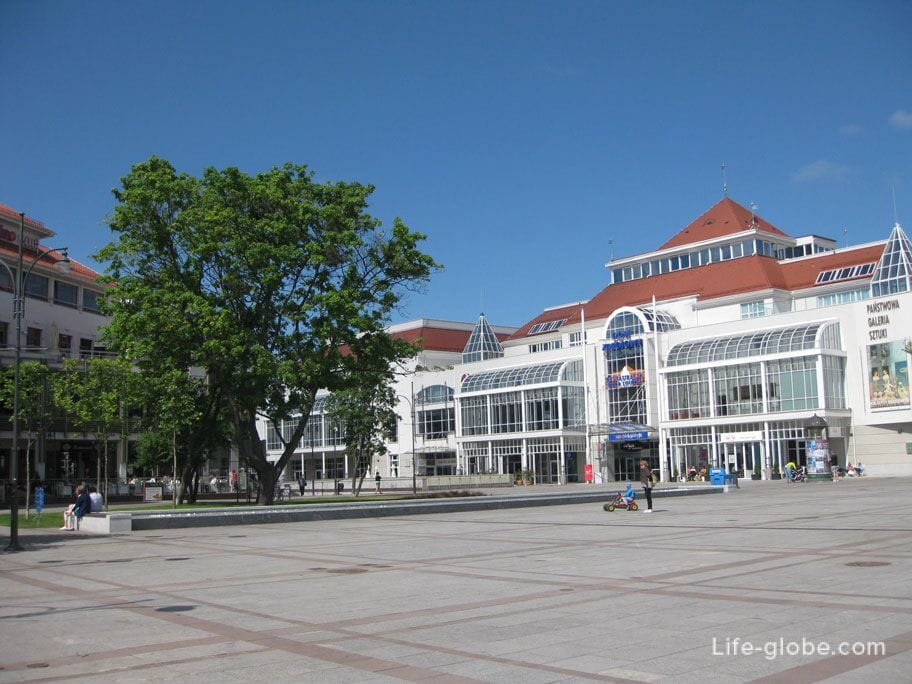 the central square of the city of Sopot