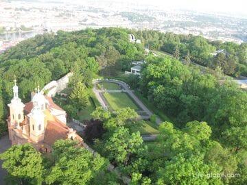 Петршинский холм в Праге: Петршинская смотровая башня + фуникулер