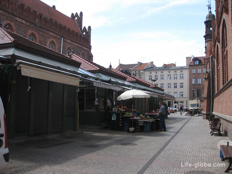 market in the old town of Gdansk