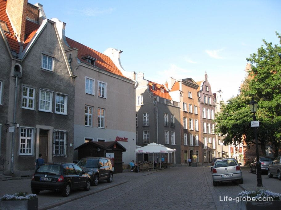 small streets of the old town of Gdansk