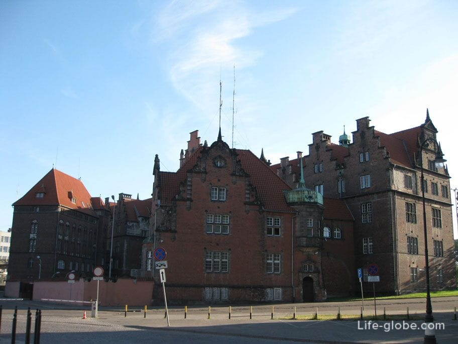 architecture of the old town of Gdansk