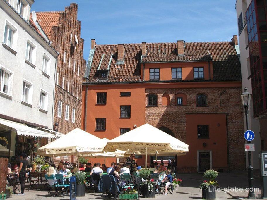 Swietojanska gate Gdansk