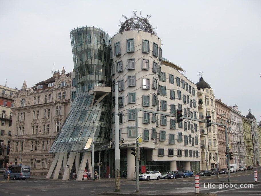 Достопримечательности Праги - Танцующий дом