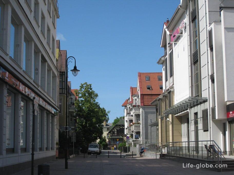 walking in Sopot