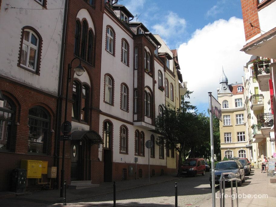 walking through the streets of Sopot