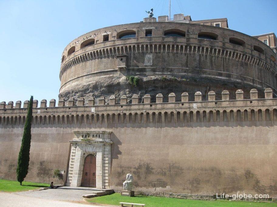Печальный замок в Риме