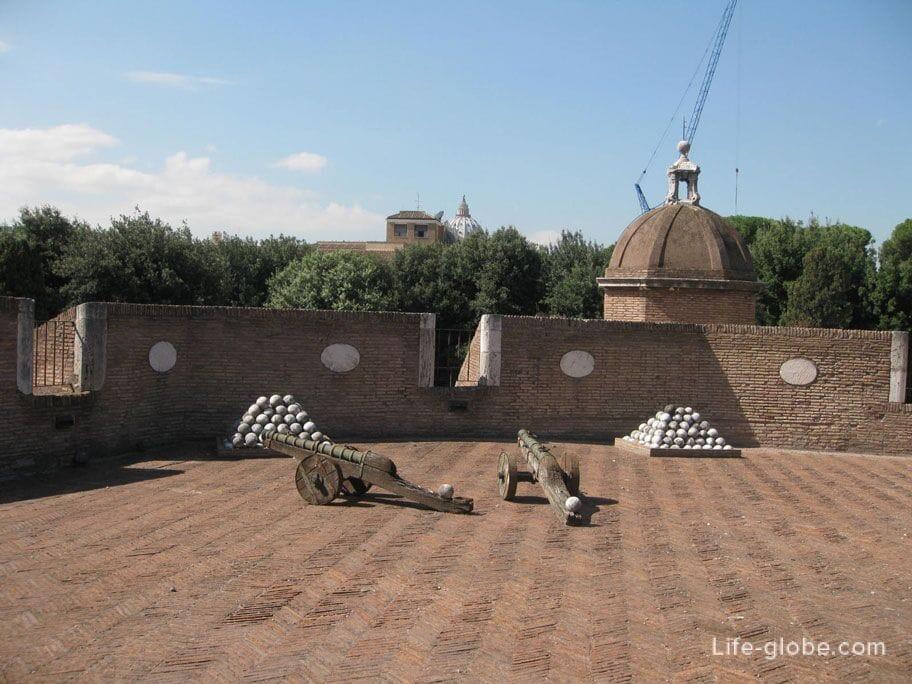военно-исторический музей в замке Сант-Анджело, Рим, Италия