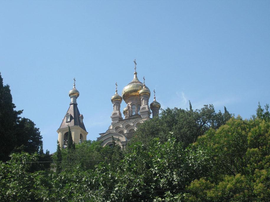 Храм Святого архангела Михаила, Алупка