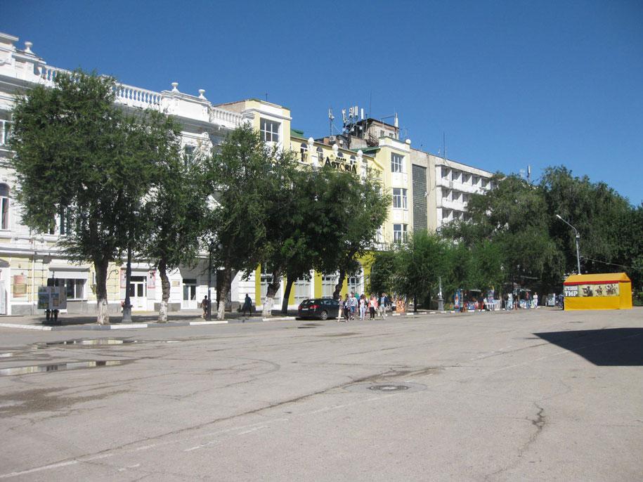 Привокзальная площадь, Феодосия